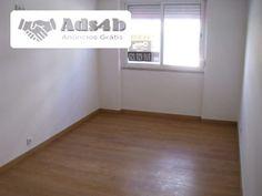AMI 10025 - TI(R/C) Totalmente remodelado , sala c/18m2 , hall c/6m2 , wc c/6m2 , quarto c/10m2 , arrecadação cozinha c/5m2 pode ser…