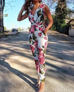Shop Jumpsuits Floral Print Deep V Neck Slinky JumpsuitSolid Cut Out Spaghetti Strap Wide Leg Capri JumpsuitShop Jumpsuits Short Sleeve Casual Jumpsuit With BeltBoutiquefeel - Shape Your Wardrobe / Women's Fashion OnlineShop Mesh Insert Open Back Sli Floral Jumpsuit, Jumpsuit Outfit, Ladies Jumpsuit, Capri Jumpsuit, Elegant Jumpsuit, Jumpsuit Style, Bridal Jumpsuit, Casual Jumpsuit, Trend Fashion