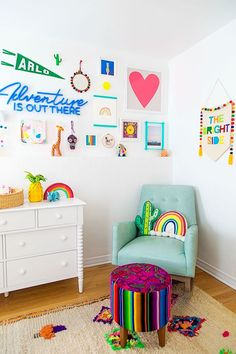 Colorful Kids Nursery - Rainbow Room Home Design Ideas a whitewashed nursery with playful, rainbow-inspired details Cool Kids Bedrooms, Kids Bedroom Designs, Kids Room Design, Kid Bedrooms, Kids Room Art, Nursery Design, Rainbow Bedroom, Rainbow Nursery Decor, Rainbow Room Kids