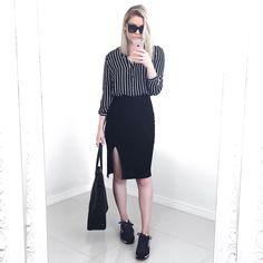 """1,097 Likes, 30 Comments - m o n i q u e. (@moguerini) on Instagram: """"do jeito que eu amo ✌️ outfit todo @mofficerofficial pra hoje • e essa camisa jeans já virou minha…"""""""