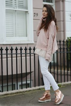Tamara K. Comfortable Outfits, Casual Outfits, Cute Outfits, Fashion Outfits, Womens Fashion, Fashion Trends, Elyse Stella Mccartney, Casual Chic, Derby Outfits