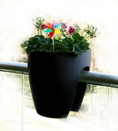 Greenbo Railing and Deck Planter, Black, 2 pack Greenbo https://www.amazon.com/dp/B009HSDS6E/ref=cm_sw_r_pi_dp_x_N-TsybSPEPC6H
