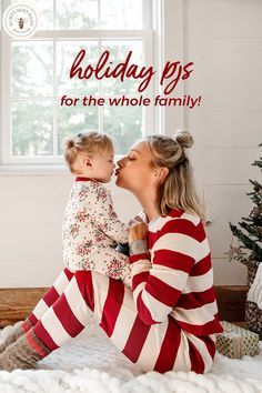 Deck your family in 100% organic cotton holiday matching family jammies! Cozy, soft & stylish footed and two-piece PJs for the entire family. Xmas Photos, Family Christmas Pictures, Family Christmas Pajamas, Holiday Pictures, Christmas Minis, Christmas Baby, Family Photos, Christmas Photography, Foto Pose
