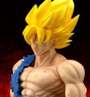 Gigantic Series - Dragon Ball Z: Super Saiyan Son Goku (Damage Ver.) Complete Figure(Released)