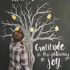 I just love this activity @robison_tribe is doing with her family!  Quote:  Gratitude is the gateway to Joy  In our morning devotional this morning, we talked about gratitude and the many blessings in our lives. We started this tradition two years ago
