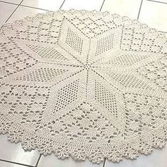1 million+ Stunning Free Images to Use Anywhere Crochet Tablecloth Pattern, Crochet Doily Rug, Crochet Coaster Pattern, Crochet Carpet, Crochet Dollies, Crochet Lace Edging, Crochet Leaves, Crochet Doily Patterns, Crochet Designs