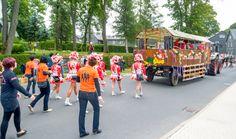 "Tag des Bergmanns in Lehesten/Thür. Wald am 2.7.2017. Der Festumzug des Vereinsverbands Bergmannsfest Lehesten. Hier der ""Karneval-Club-Lehesten e.V."" Moving Home, Carnavals, Woodland Forest"