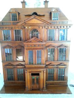 MAITLAND SMITH VINTAGE MAHOGANY DOLL HOUSE CABINET BAR ARTISAN DISPLAY CABINET