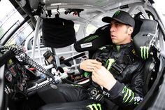 Joe Gibbs Racing: 2014 EnjoyIllinois.com 300 preview (photo: Getty Images/Rainier Ehrhardt)