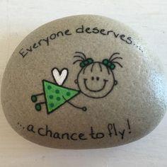 Pebble Painting, Pebble Art, Stone Painting, Rock Painting Ideas Easy, Rock Painting Designs, Painting Tutorials, Stone Crafts, Rock Crafts, Pebble Stone