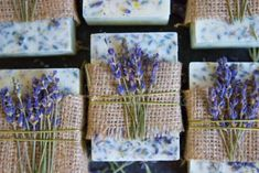 50+ DIY Homemade Soaps that Smell Amazing Lavender Honey, Lavender Soap, Honey Lemon, Lavender Buds, Lavander, Lemon Soap, Honey Soap, Homemade Soap Recipes, Homemade Gifts