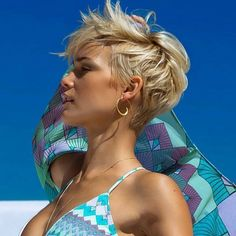 Likes, 97 Comments - Short Hairstyles Pixie Cut ( on Ins. - My list of women's hairstyles Long Pixie Hairstyles, Cool Hairstyles, Medium Hairstyles, Hairstyle Short, Hairstyles Haircuts, Hairstyle Ideas, Choppy Haircuts, Everyday Hairstyles, Short Summer Hairstyles