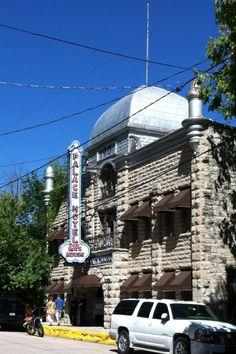 Palace Hotel & Bath House - Eureka Springs