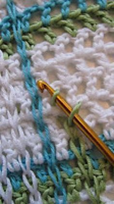 Ravelry: Woven Babyblanket on Mesh Ground pattern by Virkpia - Pia Lindén, plaid, crochet, baby blanket, crochet blanket. Crocheting in the opposite direction and filling the waffle spaces. Very cool idea-would be a good pattern for a discloth too! Crochet Diy, Crochet Afghans, Crochet Gratis, Crochet Stitches Patterns, Love Crochet, Baby Blanket Crochet, Crochet Hooks, Knitting Patterns, Plaid Crochet