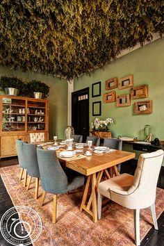 Comedor Atelier Central. Búscalo en nuestra tienda online: Sillas Canyon Mesa Caballete Bufete de Encino #decoracion #muebles #diseño #interorismo