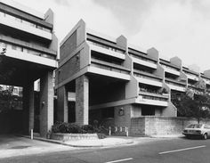 Highgate New Town, Camden (1978) by Camden Architects Department. Image from Art and Architecture.