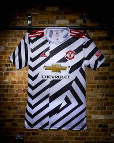 Manchester United Third Kit, Camisa Manchester United, Manchester United Wallpaper, History Manchester, Dazzle Camouflage, Football Outfits, Adidas Football, Tatoo, Soccer Shoes
