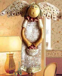 Angel - looks like salt dough Salt Dough Crafts, Salt Dough Ornaments, Angel Ornaments, Christmas Angels, Christmas Art, Bead Crafts, Diy Crafts, Clay Angel, Pottery Angels
