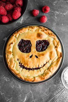 Upiorna tarta z malinami (4 składniki) Pie, Sweets, Recipes, Food, Halloween, Interior, Pies, Torte, Cake