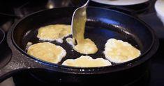 poêle, crêpes, banane, petit déjeuner, DME, aliments solides, bébé, nutrition