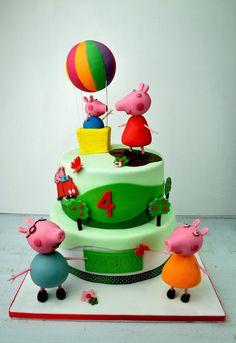 Peppa Pig Family - by facciamolatorta @ CakesDecor.com - cake decorating website
