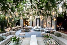 Mexican decoration in 8 trendy objects - My Romodel Romantic Wedding Receptions, Romantic Weddings, Wedding Venues, Glamorous Wedding, Wedding Ceremony, Wedding Rings, Wedding Costs, Plan Your Wedding, Wedding Ideas