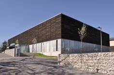 Youth House of Culture and Knowledge / 2NE Architecture