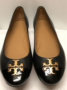 Tory Burch Chelsea ballet shoes size 8/1,/2 Like new contrition no box included Tory Burch Flats, Ballet Shoes, Chelsea, Loafers, Box, Fashion, Ballet Flats, Travel Shoes, Moda