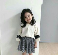 Most Popular Korean Baby Kids Ideas Cute Asian Babies, Korean Babies, Cute Babies, Mode Ulzzang, Ulzzang Kids, Korean Ulzzang, Black Kids Fashion, Baby Girl Fashion, Fashion Fall