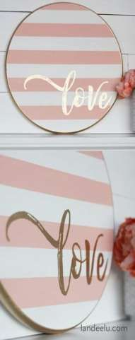 Grab a wood round from your local DIY store and make this darling striped Valentine's Day craft. a painted wood sign! valentines day crafts for him Valentine's Day Craft: Striped Round LOVE Sign Valentines Day Food, Valentines Day Decorations, Valentine Day Crafts, Be My Valentine, Vintage Valentines, Diy Laden, Saint Valentin Diy, Valentines Bricolage, Wood Crafts