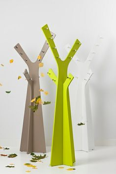 Cascando Tree #kapstok. Staande #garderobe in opvallend design.