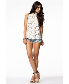 Sleeveless Lace Shirt | FOREVER 21 - 2050312901