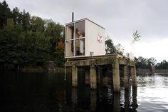 Image 2 of 15 from gallery of Public Sauna / Mjölk architekti. Courtesy of Mjölk Architects Dock House, Tiny House Cabin, Arch Building, Building A House, Outdoor Sauna, Small Buildings, Small Houses, Garden Studio, Hotels