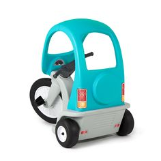 designed with safety and comfort in mind the kids super coupe pedal trike has a