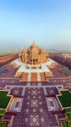 Akshardham, Delhi, India. 30 Places to Visit Near Delhi #loveblooms