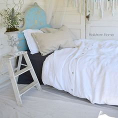 French linen fabric adds a soft romantic look that will make your bed so inviting. Flax fiber is soft to the touch and becomes even softer with each washing. This pure linen duvet cover adds a luxurio