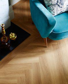 Honey Oak: Beautifully designed LVT flooring from the Amtico Spacia Collection - Luxury Vinyl Flooring & Tiles Luxury Vinyl Flooring, Best Flooring, Luxury Vinyl Plank, Kitchen Flooring, Flooring Ideas, Bathroom Flooring, Amtico Spacia, Amtico Flooring, Hardwood Floors