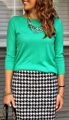 Maldives necklace with green top and houndstooth skirt Js Everyday Fashion Fashion Mode, Work Fashion, Modest Fashion, Skirt Fashion, Womens Fashion, Curvy Fashion, Fall Fashion, Fashion Hacks, Green Fashion