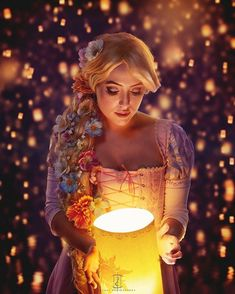 Tangled cosplay by lily_on_the_moon Rapunzel Flynn, Rapunzel Costume, Disney Rapunzel, Tangled Cosplay, Disney Cosplay, Disney Princess Cosplay, Disney World Pictures, Disney Princess Pictures, Disney Dream