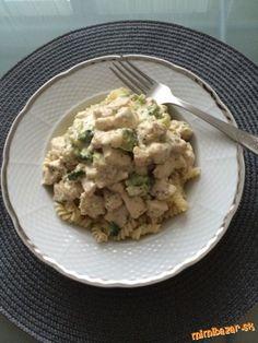 Výborné cestoviny s kuracím mäsom Nivou a brokolicou What To Cook, Gnocchi, Risotto, Cooking Recipes, Menu, Chicken, Ethnic Recipes, Food, Lasagna