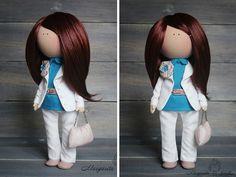 Suave muñeca hecho a mano blanco morena azul por AnnKirillartPlace
