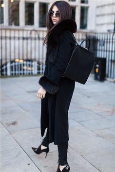 b77d84ef79e4b 8 Best Arm Coverings for Sleeveless Dresses ! images