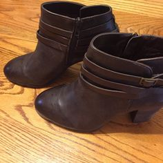 final markdown NWOT Arturo Chiang boots Arturo Chiang new without tags never worn brown with zipper side 3 1/2 heel Arturo Chiang Shoes Heeled Boots