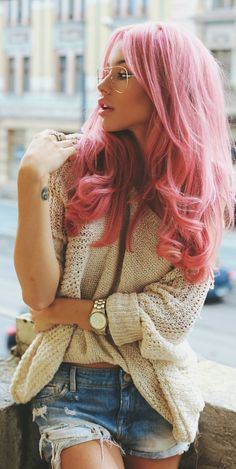 Carmen Grebenisan Beige Chunky Knit Pink Hair Fall Inspo