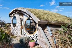 owl house micro cabin 09 600x400 The Owl House Micro Cabin: Funky Simple Living or Hip Vacation Rental?