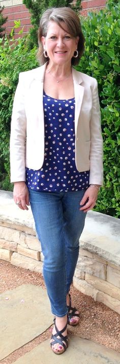 Outfits For Women Over 50 Years Old