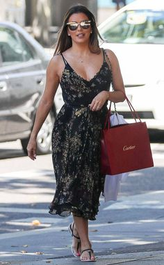 <p>Errands for Eva! The star is seen out and about in Madrid.</p>