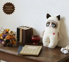 Baby Grumpy Cat, Plüschkatze, Plüschtier, // little grumpy cat, kitten by Petiti Panda via DaWanda.com