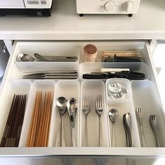 Kitchen design ideas for your next project. We have all the kitchen planning inspiration you need for the heart of your home, whatever your style and budget. Home Organisation, Kitchen Organization, Kitchen Storage, Kitchen Decor, Kitchen Utensils, Storage Organization, Muji Haus, Muji Storage, Diy Rangement