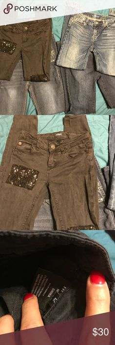 Bundle Girls Jeans 3 Size 12 and 1 Size 10 Jeans, 1: Black Hudson Skinny With sequin patches some sequin missing 2: 7FAMK Skinny Frayed Raw him ankle jeans 3: Vigoss Pull on Elastic Waist Skinny Jeans Size 10 4: Levi's Skinny Jeans With Button Flap Pockets 7 For All Mankind Bottoms Jeans